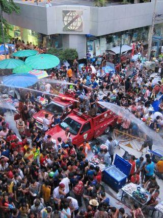 泰國潑水節由來及習俗