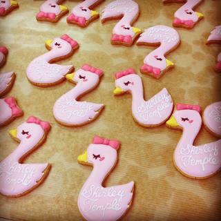 Baby swan icing cookies