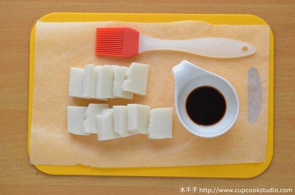 """木不子: """"吃不完的麻糬先冷藏變硬,就可以方便切片分成15g的分量,再分包放入冷凍庫,想吃就拿下來解凍,超級方便!相較於上一篇麻糬蕾絲餅分割麻糬的方法,這招一定要學起來!  醬油米果食材: 客家麻糬 ..."""" on DIITU Communities """"vitantonio鬆餅機食譜"""". From https://communities.diitu.com/post/%E6%96%B0%E6%89%8B%E9%9B%B6%E5%A4%B1%E6%95%97+%E8%95%BE%E7%B5%B2%E7%83%A4%E7%9B%A4%E9%A3%9F%E8%AD%9C+%E9%86%AC%E6%B2%B9%E7%B1%B3%E6%9E%9C-146228819212156"""
