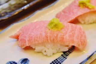 大阪通天閣 150元3貫的便宜壽司