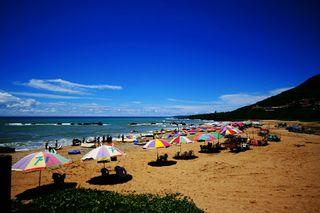 夏天就是要玩水啊, 來墾丁南灣吧! 先預訂行程比較便宜哦!