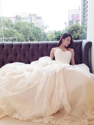 浪漫度假~愉悅迷人花朵蓬裙婚紗