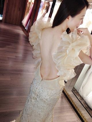 牡丹繁花盛開!美背式性感深 U形大露背晚禮服