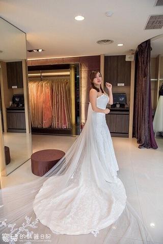 典雅氣質窄身白紗