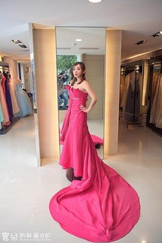 桃紅修身窄版禮服
