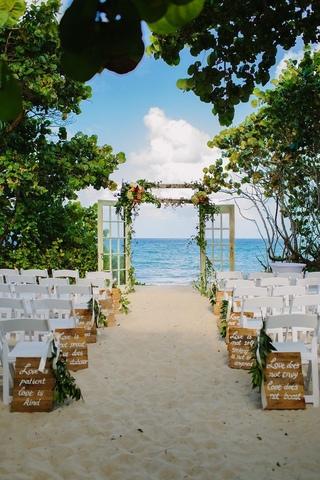 沖繩·沙灘·教堂· 我們結婚吧!