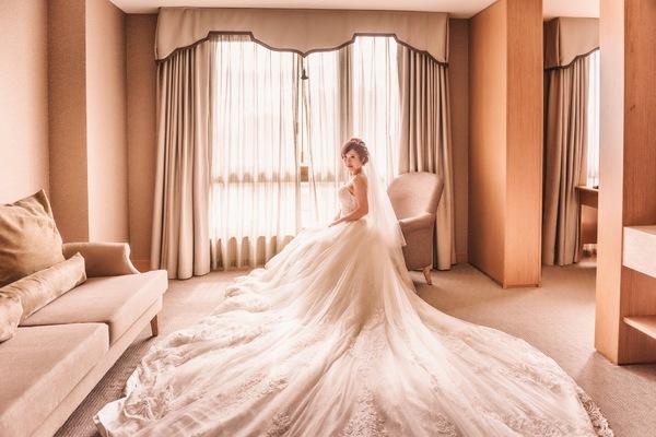 """Braque Lee Photo Studio on DIITU Communities """"Braque Lee 布拉格婚禮紀錄"""". From https://communities.diitu.com/post/2016%2F11%2F12+Andy+%26+Vicky+Wedding-147907581729619"""