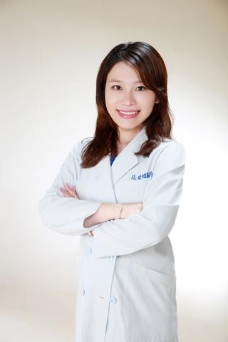 世樺牙醫診所│醫療團隊-張暐姃 主治醫師