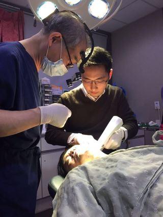 【醫師專欄】朱芃年/關於痘疤治療、非侵入拉皮的最新進展