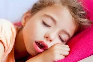 兒童口呼吸成因及造成的問題